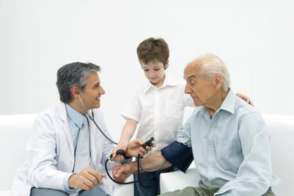 elderly_man_examination_check_up_child_generation_doctor_stethoscope_blood_pressure.jpg